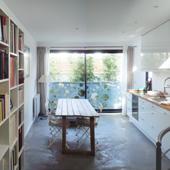Salle à manger de la maison Tube - Ajile architectes