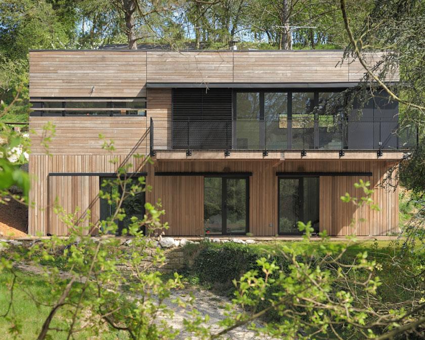 Balcon suspendu de la Maison MRZS - AAGB Atelier d'architecture Gilles Bertrand