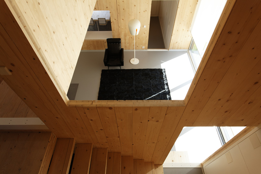 Lode architecture - Maison G - Vue plongeante depuis l'escalier