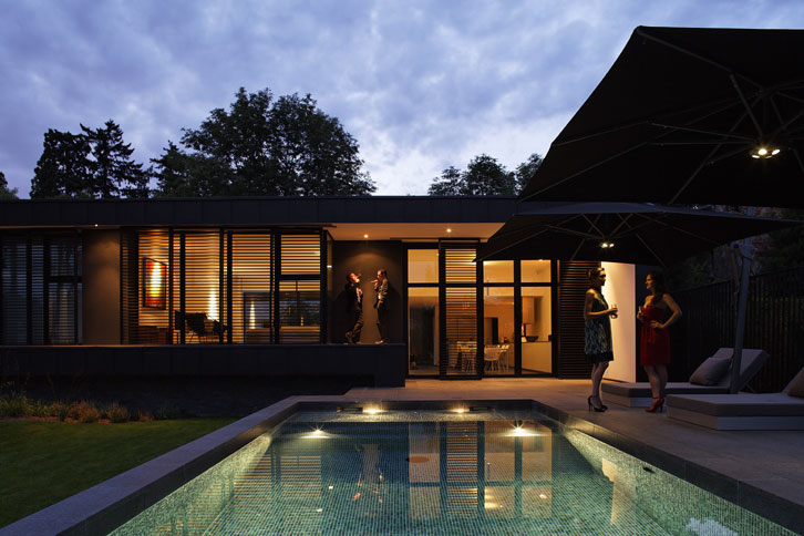 Lode architecture - Vue de nuit sur la piscine
