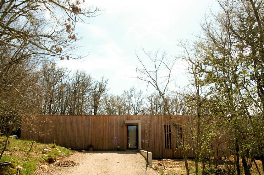 Entrée de la maison P - Yann Ouvrieux architecte