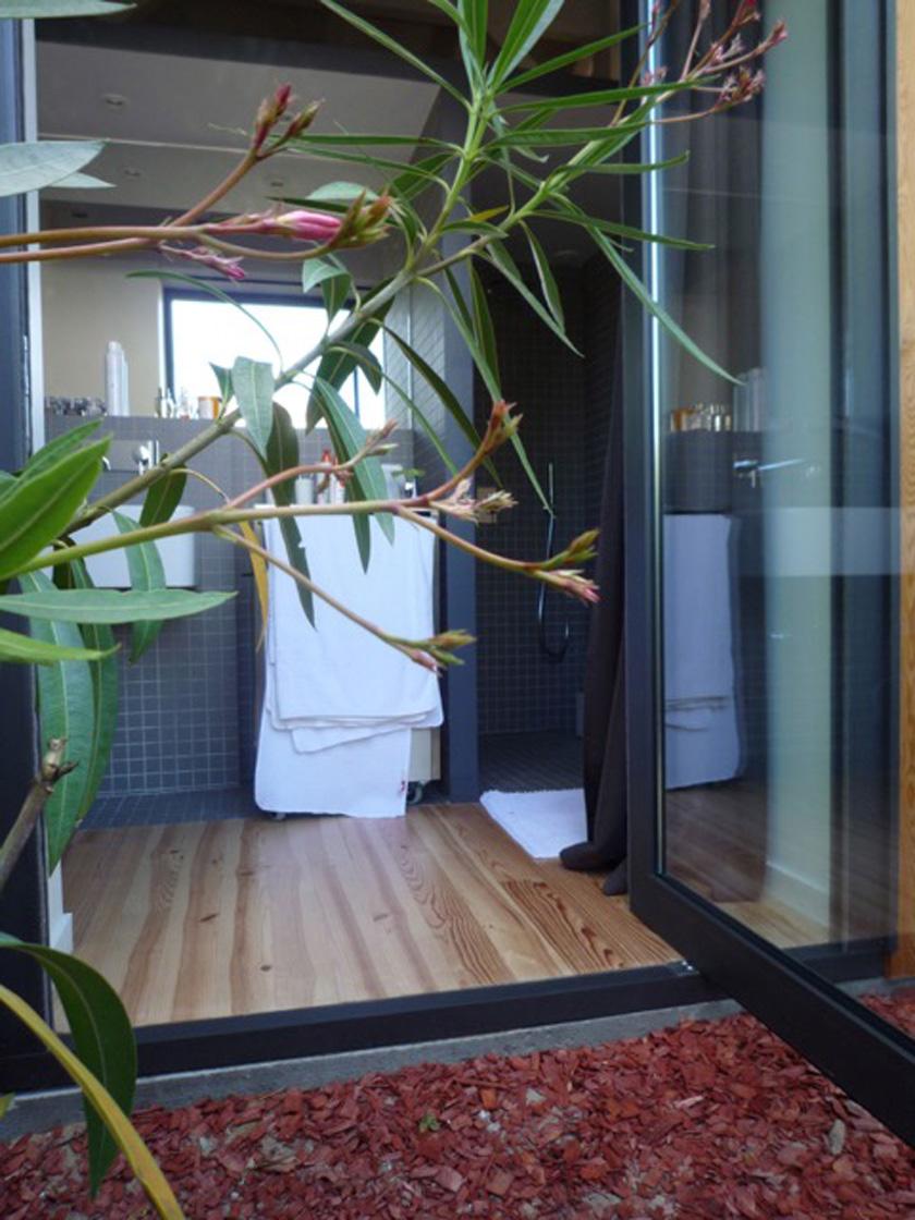Collinet-Ourthe architecte - Salle de bains ouverte sur la terrasse
